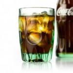 コーラのカロリーやカフェイン、砂糖量は?メントスで事故!?