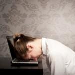 眠気を覚ます方法(授業中や仕事中、車内で)は?音楽やガムは効果的?