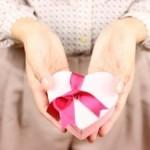バレンタインデーはチョコ以外もあり?人気のプレゼントは?