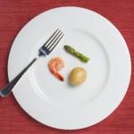 食欲不振はストレスが原因?吐き気の症状などの改善方法は?